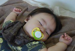 乳児(特に新生児)の異常な呼吸の種類